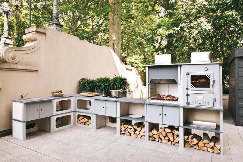 outdoorkueche-aufgebaut-plazzetti